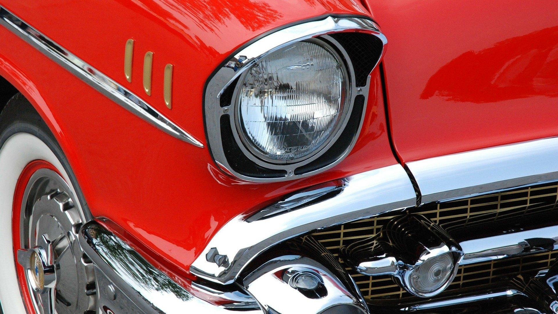 classic-car-76423_1920.jpg
