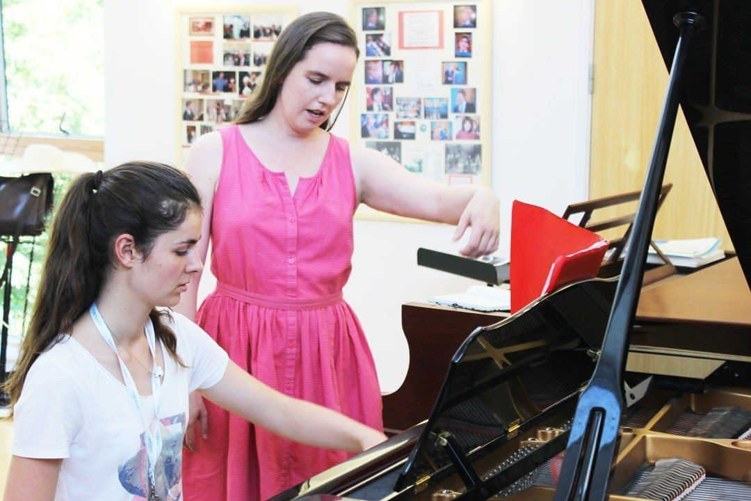 Clíodna Shanahan, piano teacher with an Ingenium student teaching technique