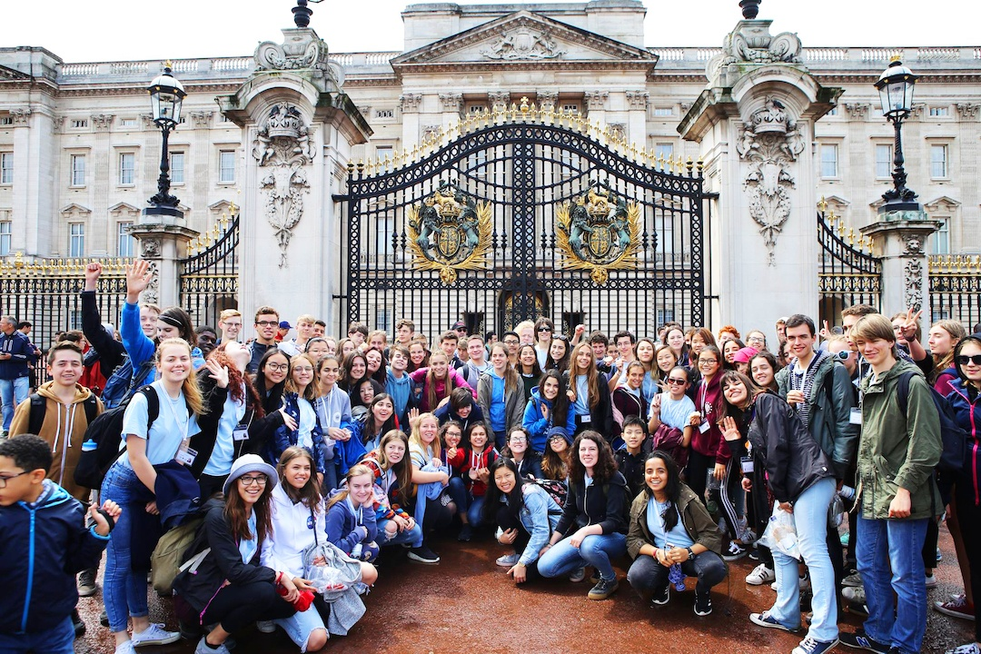 Ingenium Academy students at Buckingham Palace