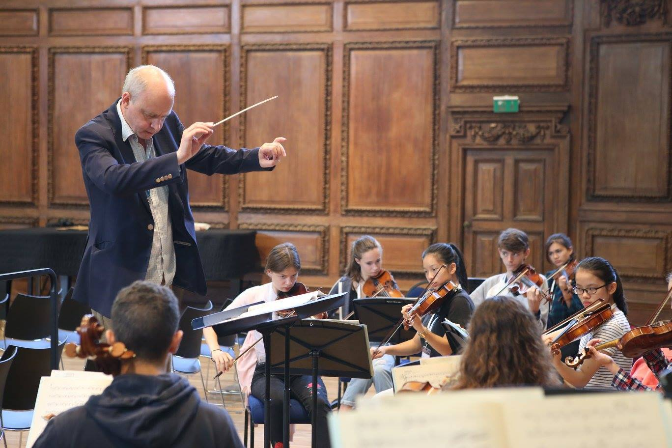 Orchestra summer course in England UK - Matthew Taylor conducts the Ingenium Academy orchestra