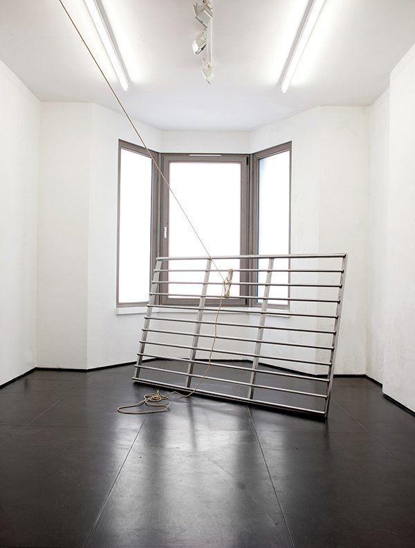 Simona Brinkmann. Docile Brutes II (2014). Steel, rope.