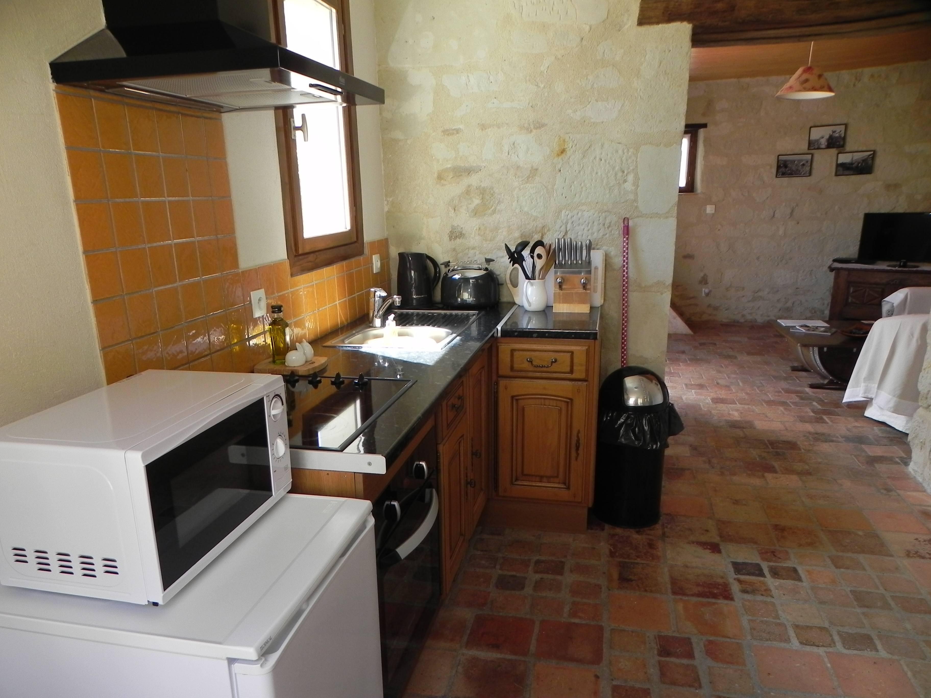 AH Kitchen 04.JPG