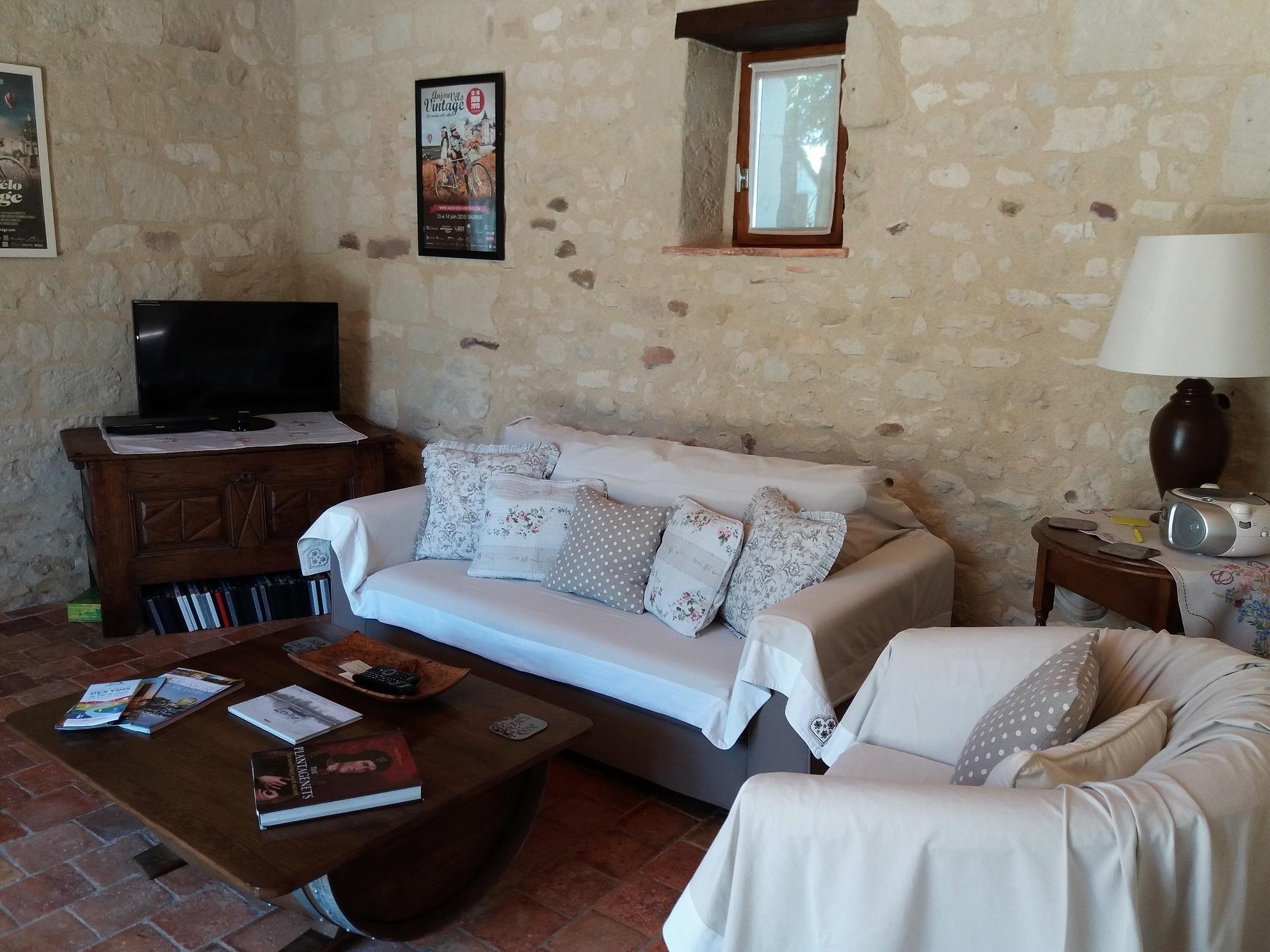 lounge 01.jpg