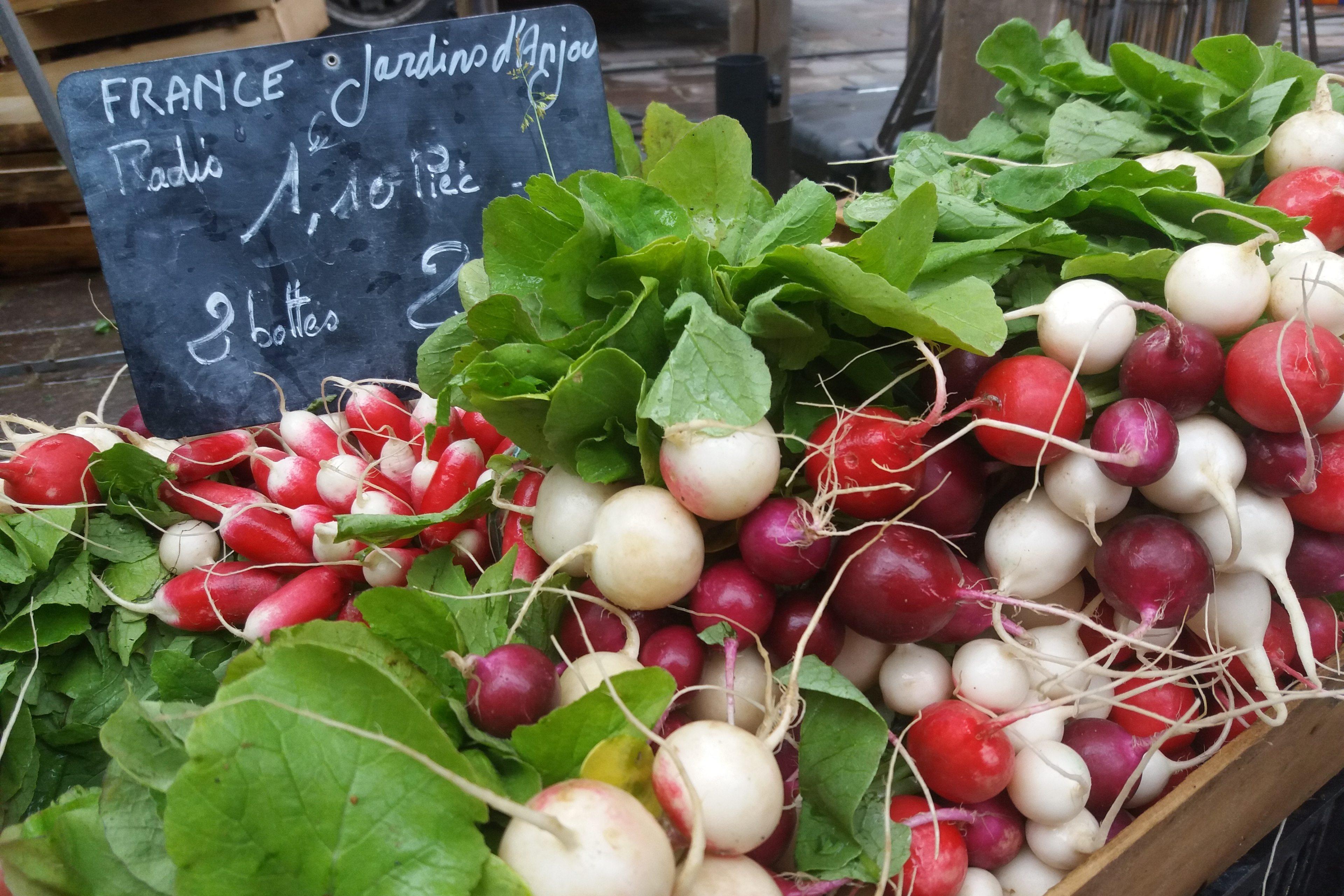 Weekly fresh food markets image
