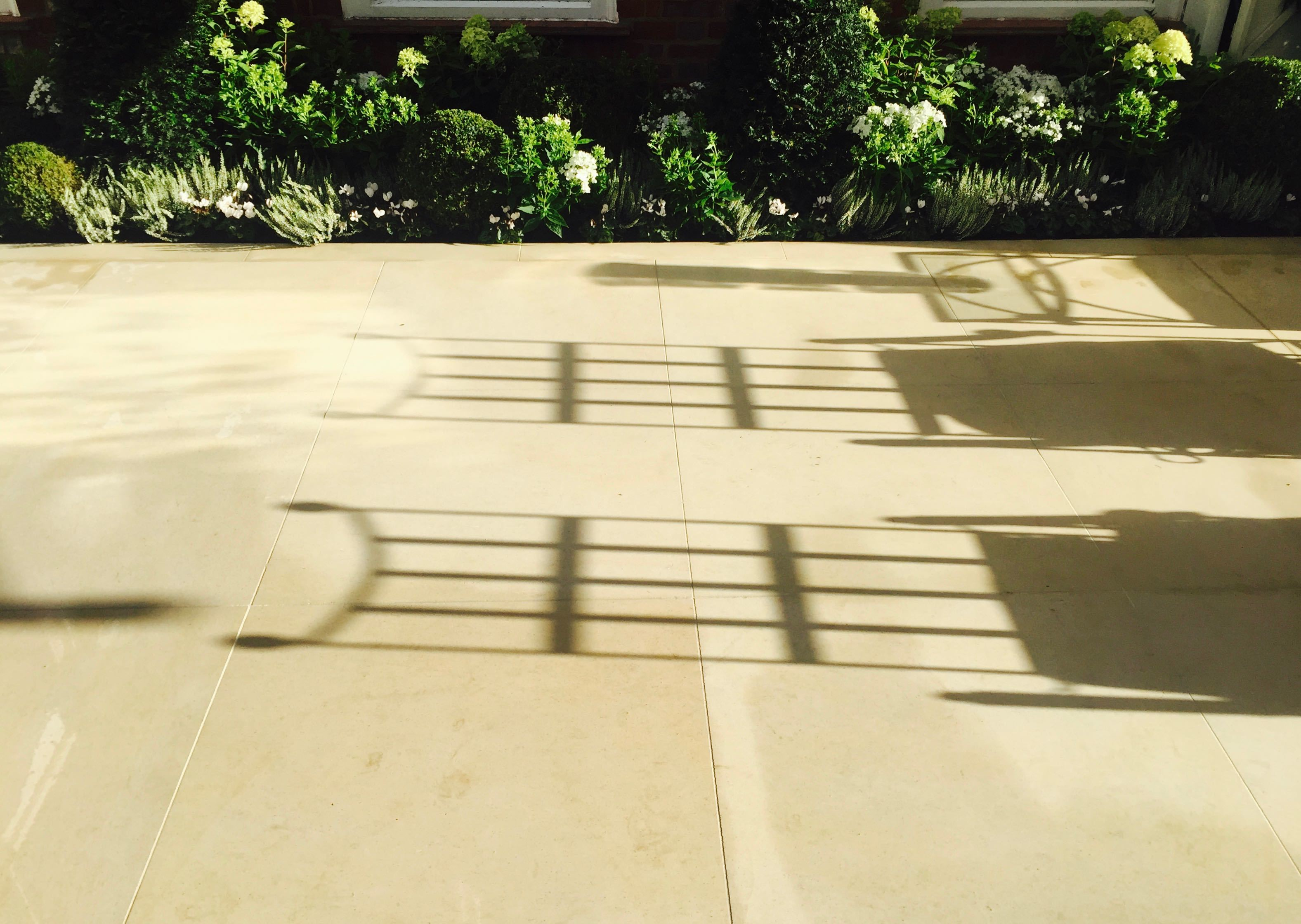 image of Portland Stone paving with shadows