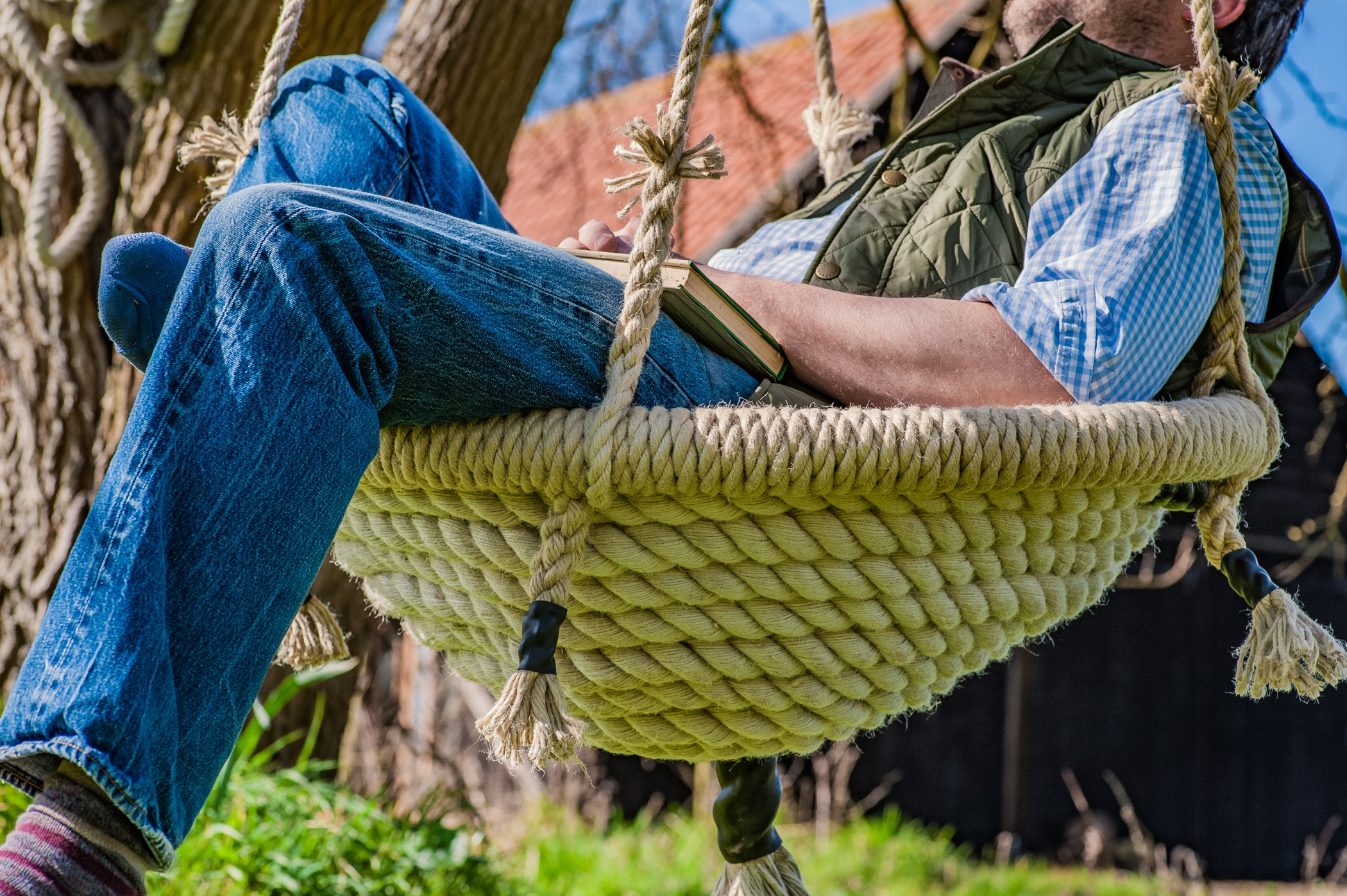 Garden round Nest Swing handmade from the finest English rope