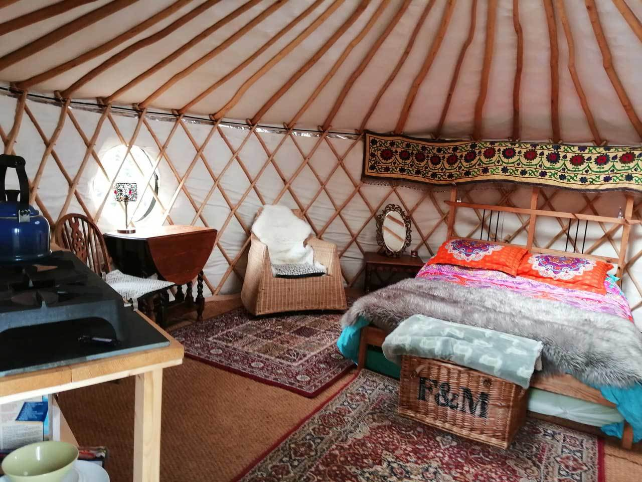 the_comfortable_yurt_interior.jpg