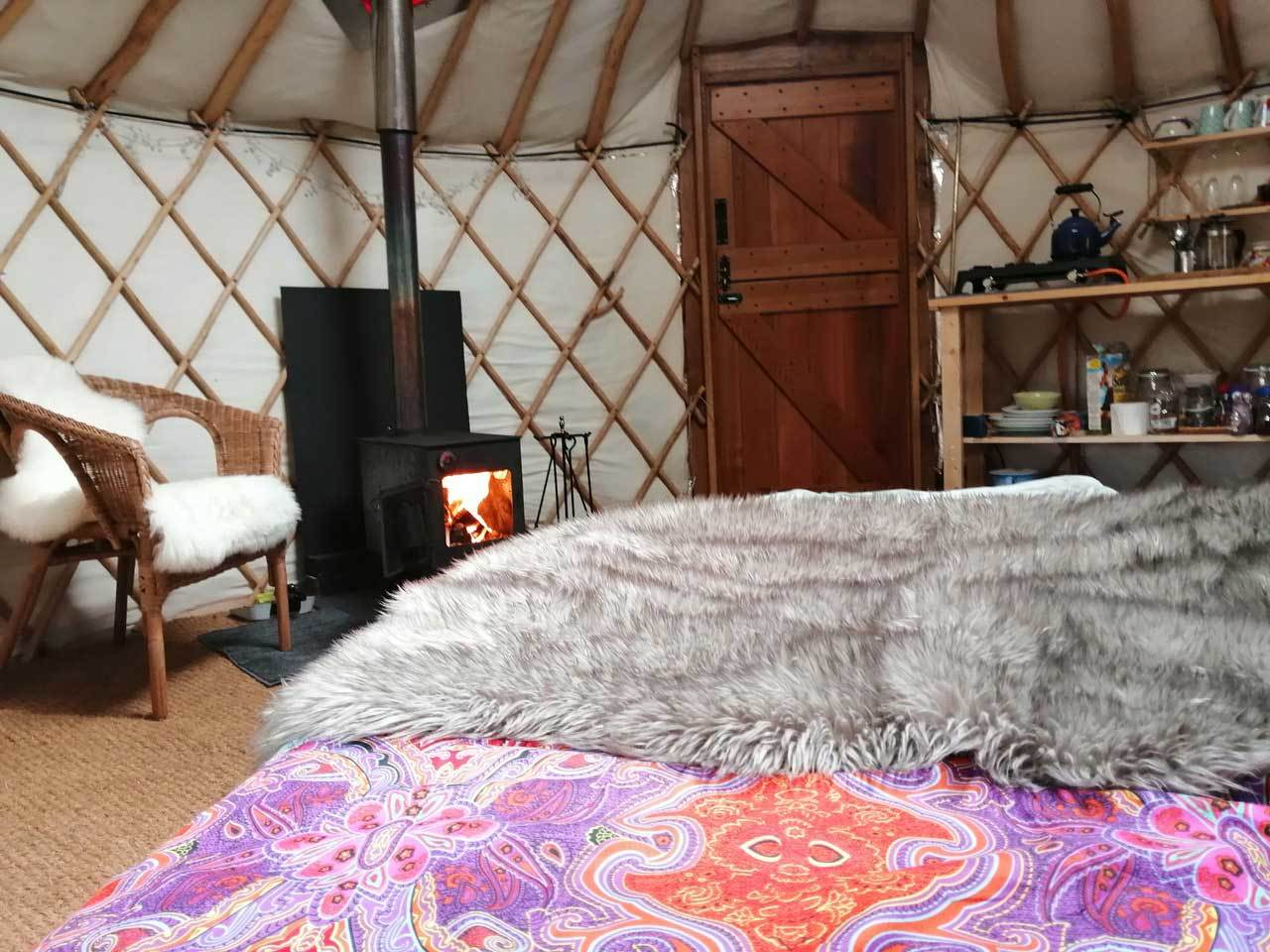 the_cosy_yurt_interior.jpg