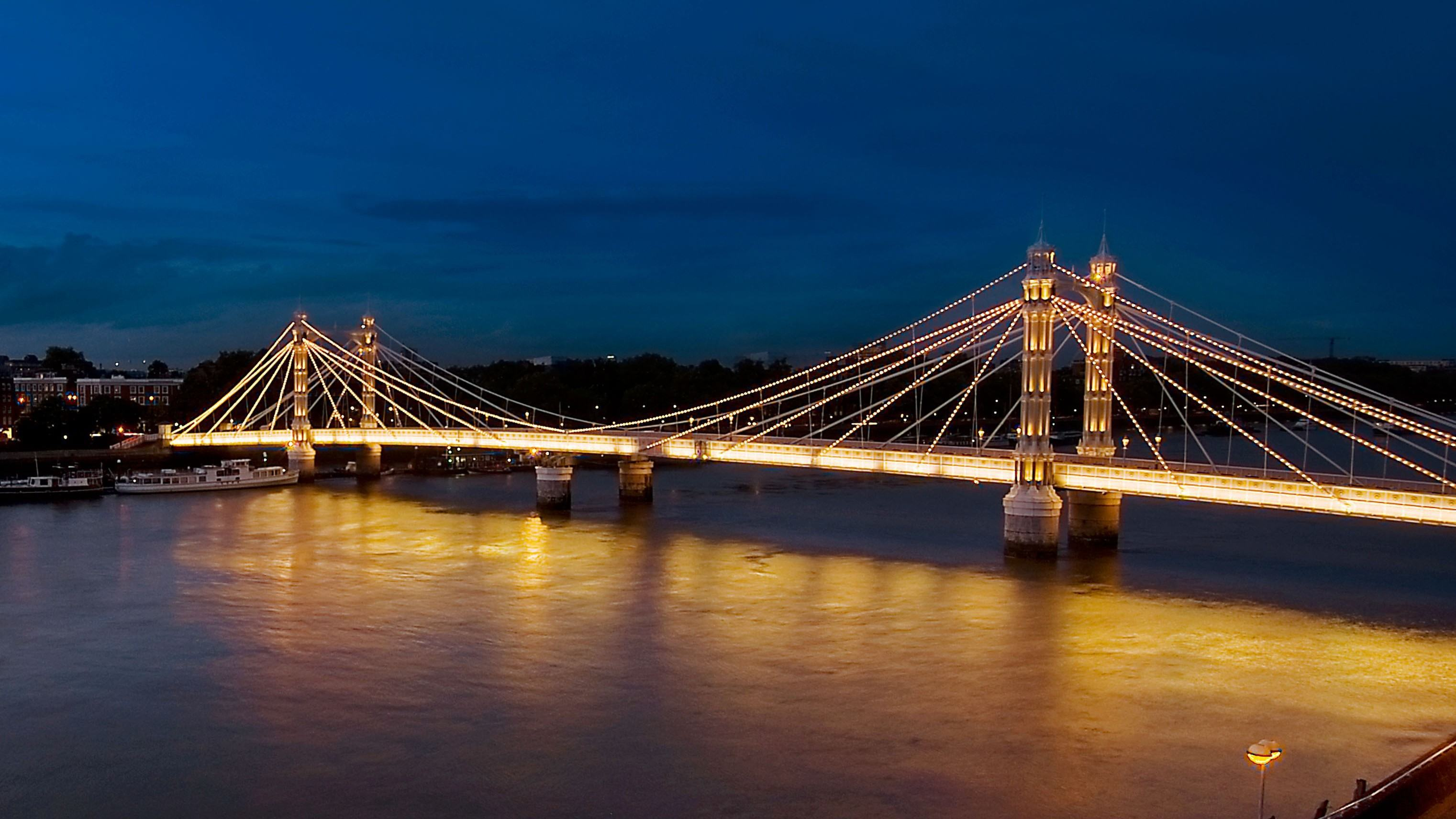 Albert Bridge (1).jpg