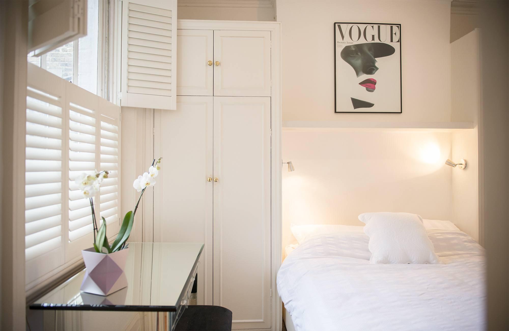 Bedroom 005.jpg