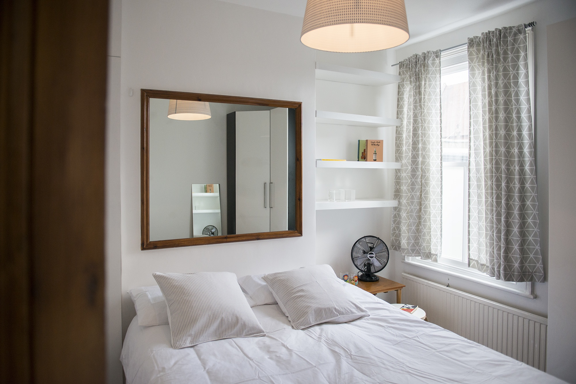 Bed002.jpg