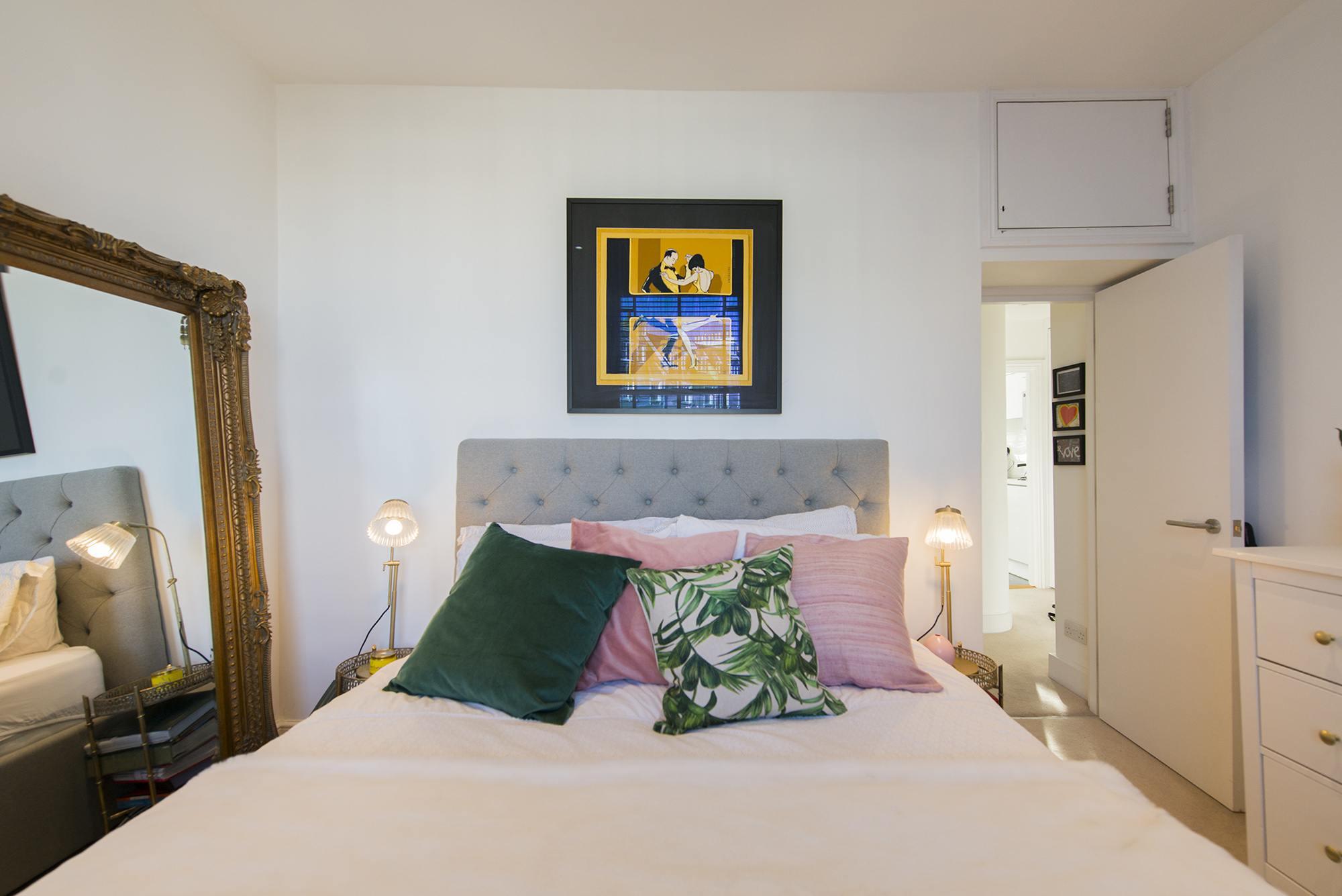 Bedroom006.jpg