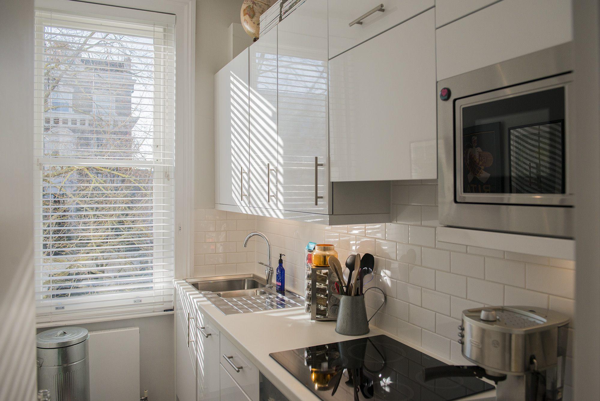 Kitchen004.jpg