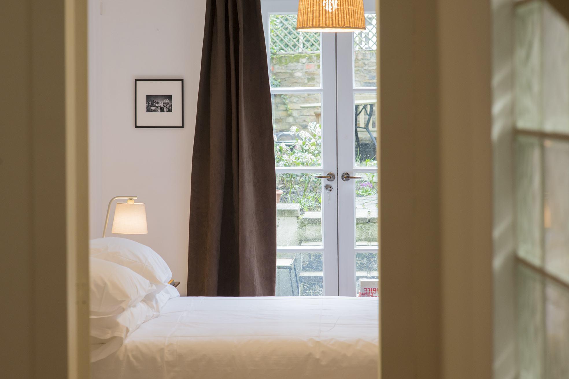 Bedroom005.jpg
