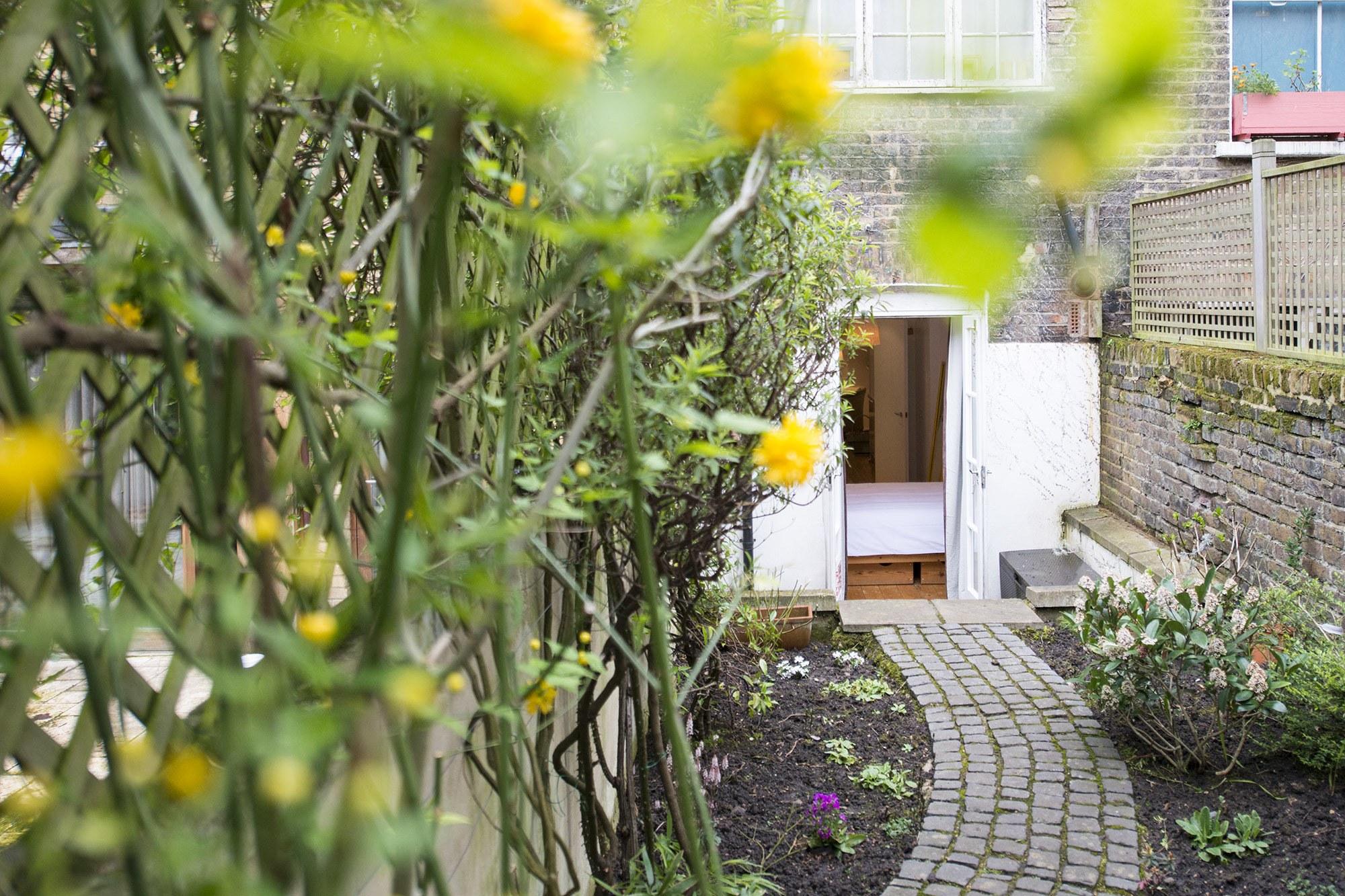 Garden002.jpg