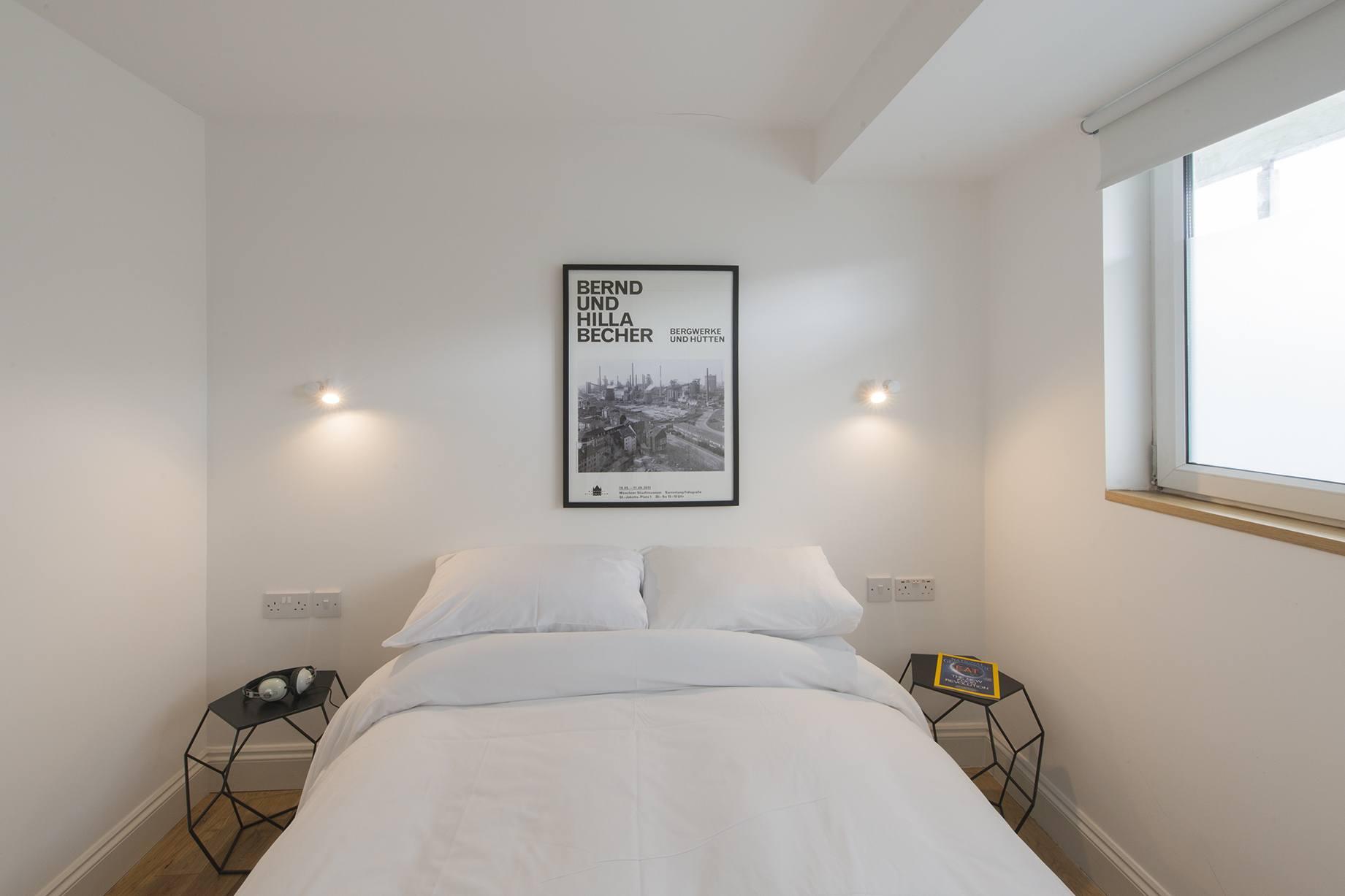 Bed001.jpg