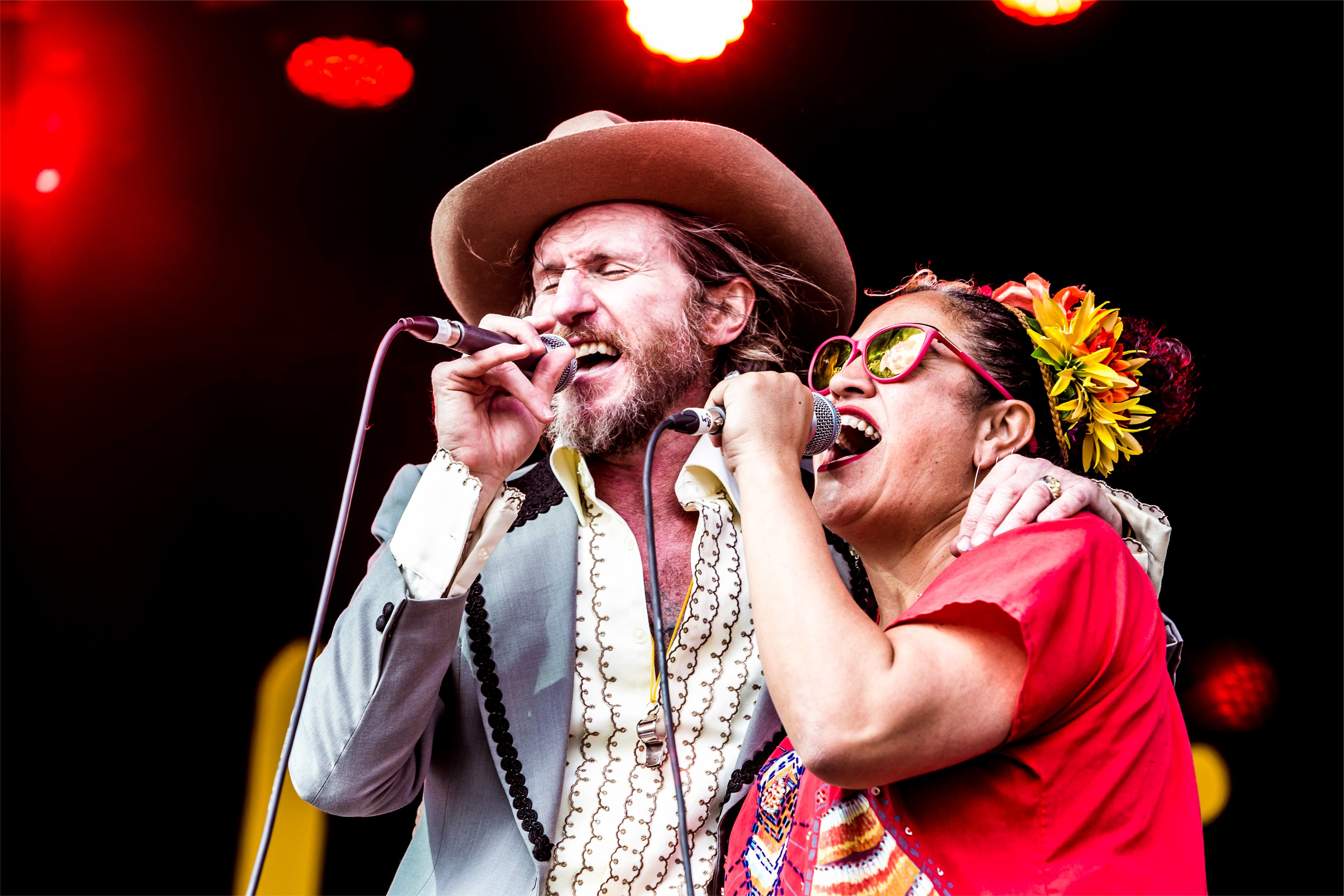 Tim Rogers and The Bamboos performing at The Lost Lands 2016