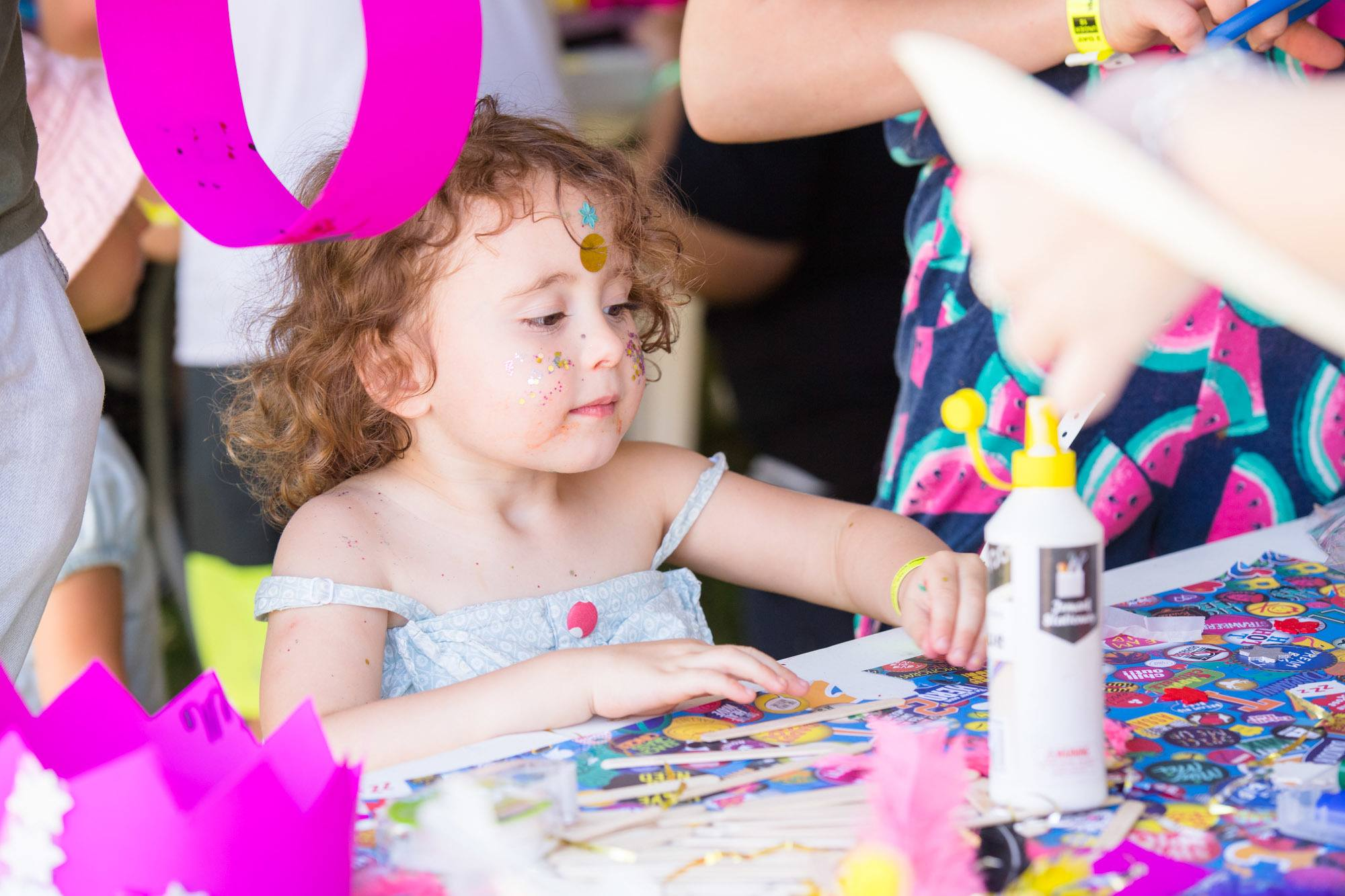 Little girl at the craft station at The Lost Lands 2016