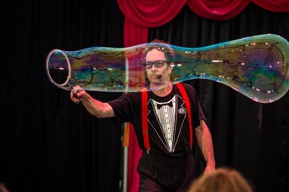 Dr Hubbles Bubble Show