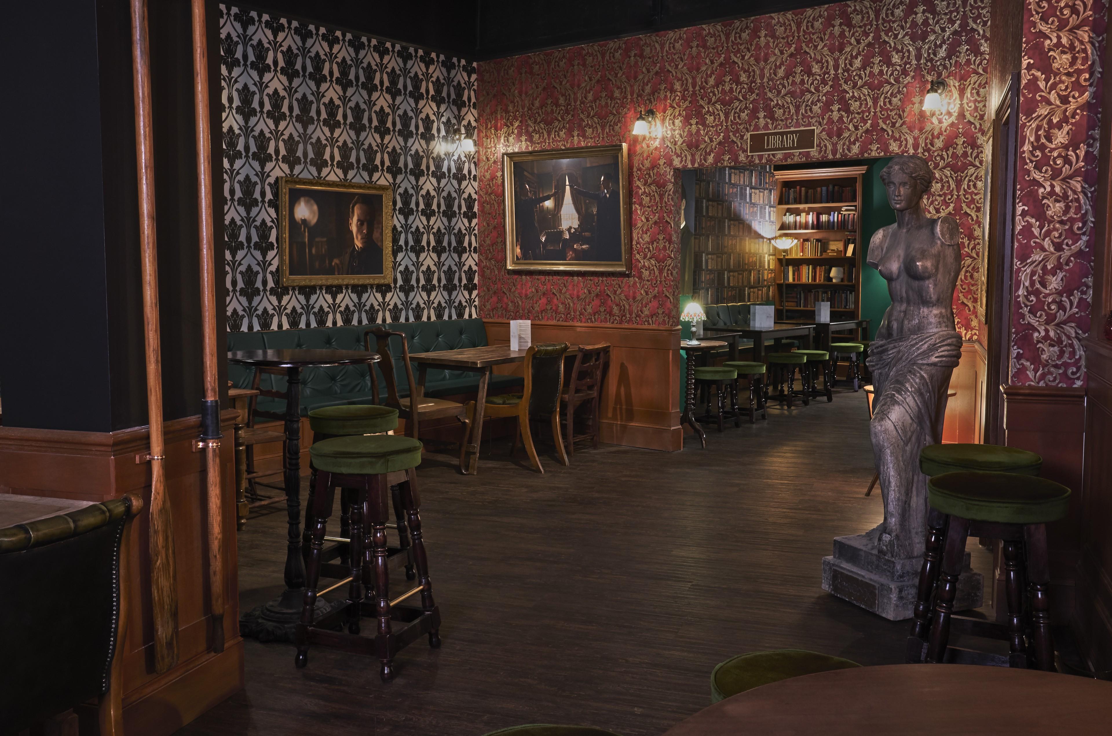AlfieSamba_Sherlock Bar_2.jpg
