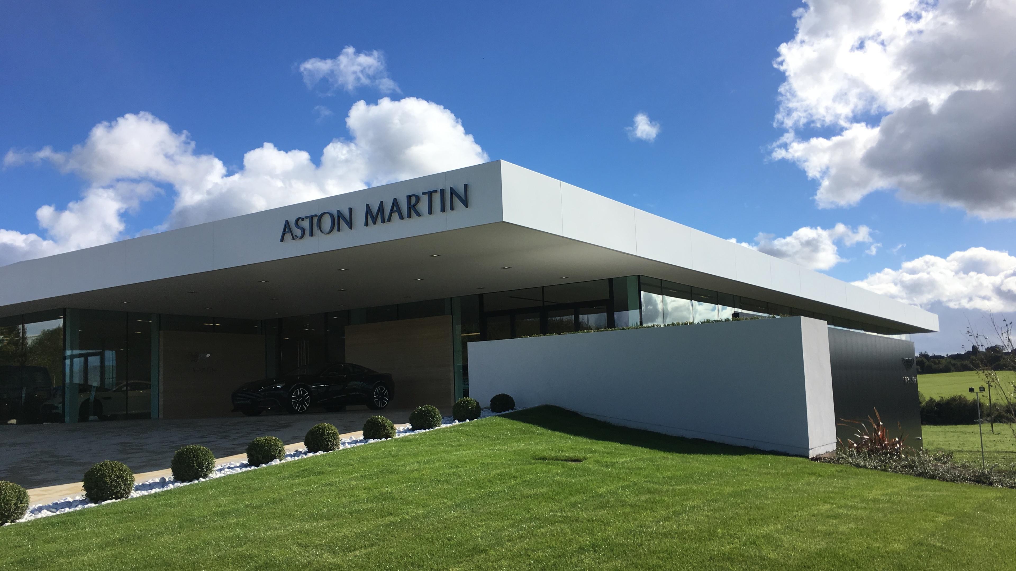 ASTON-MARTIN-5[1].jpg
