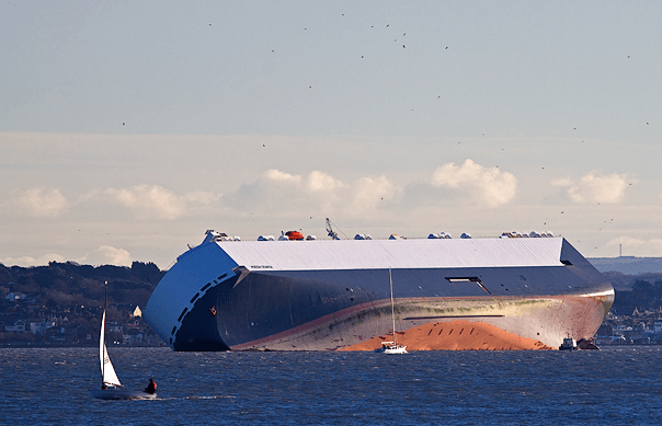 Hoegh Osaka in Southampton Water