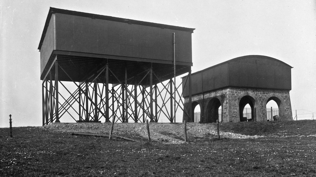 Farmyard storage silos
