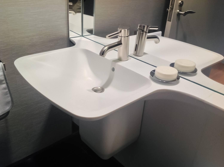 Corian Sink 1.jpg