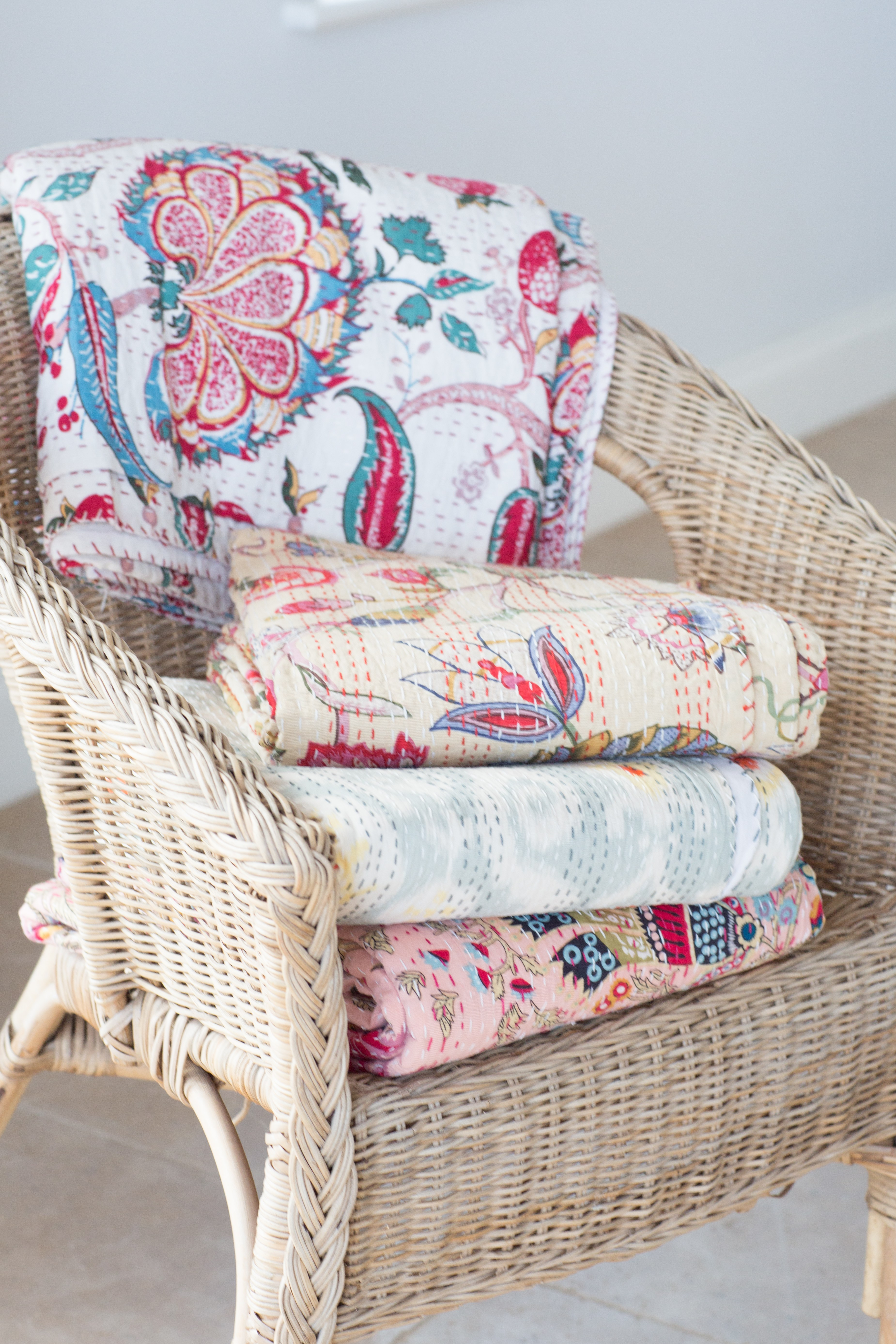 Dark Pink & Blue Flower Bedspread