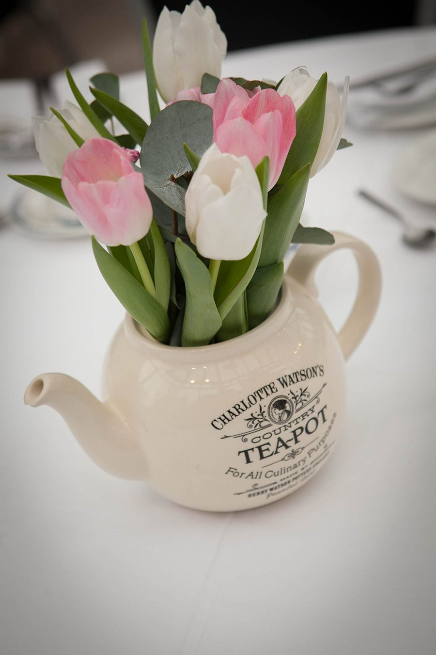 Tea_Pot_Flowers.jpg