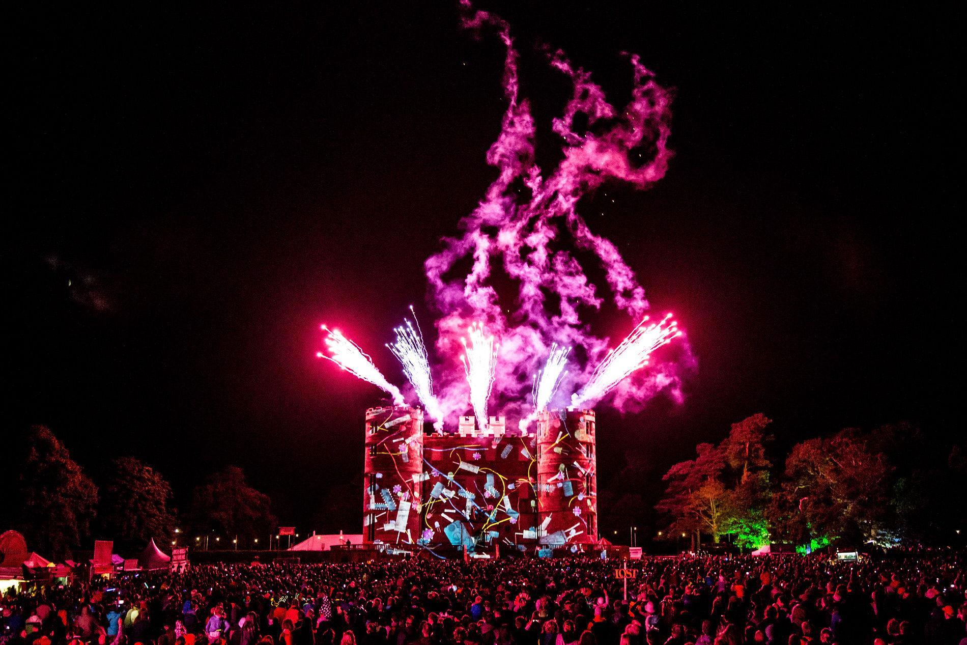 152-CampBestival2017-Fireworks-RB-F61A2789.jpg