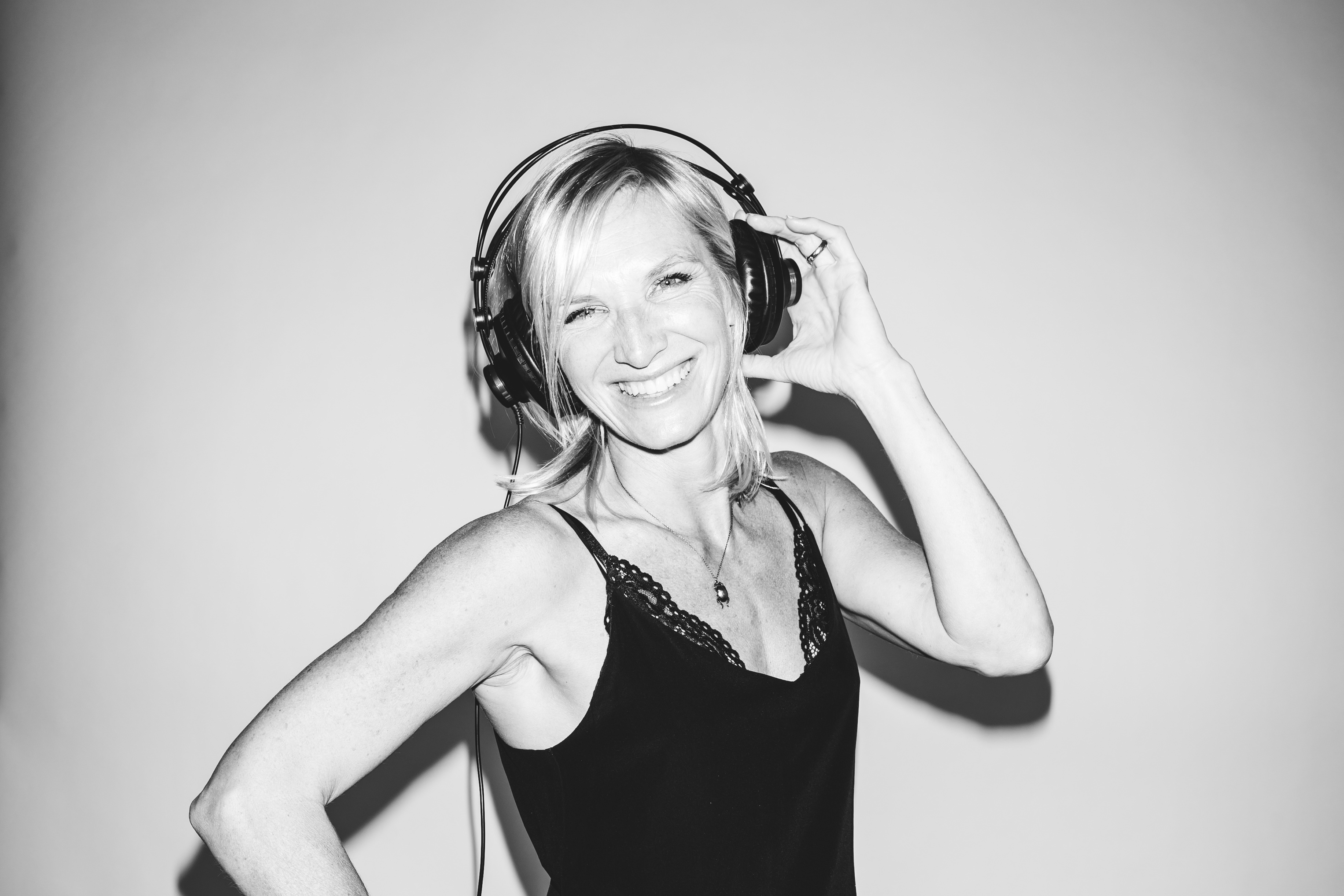 Jo Whiley's 90s Anthems image
