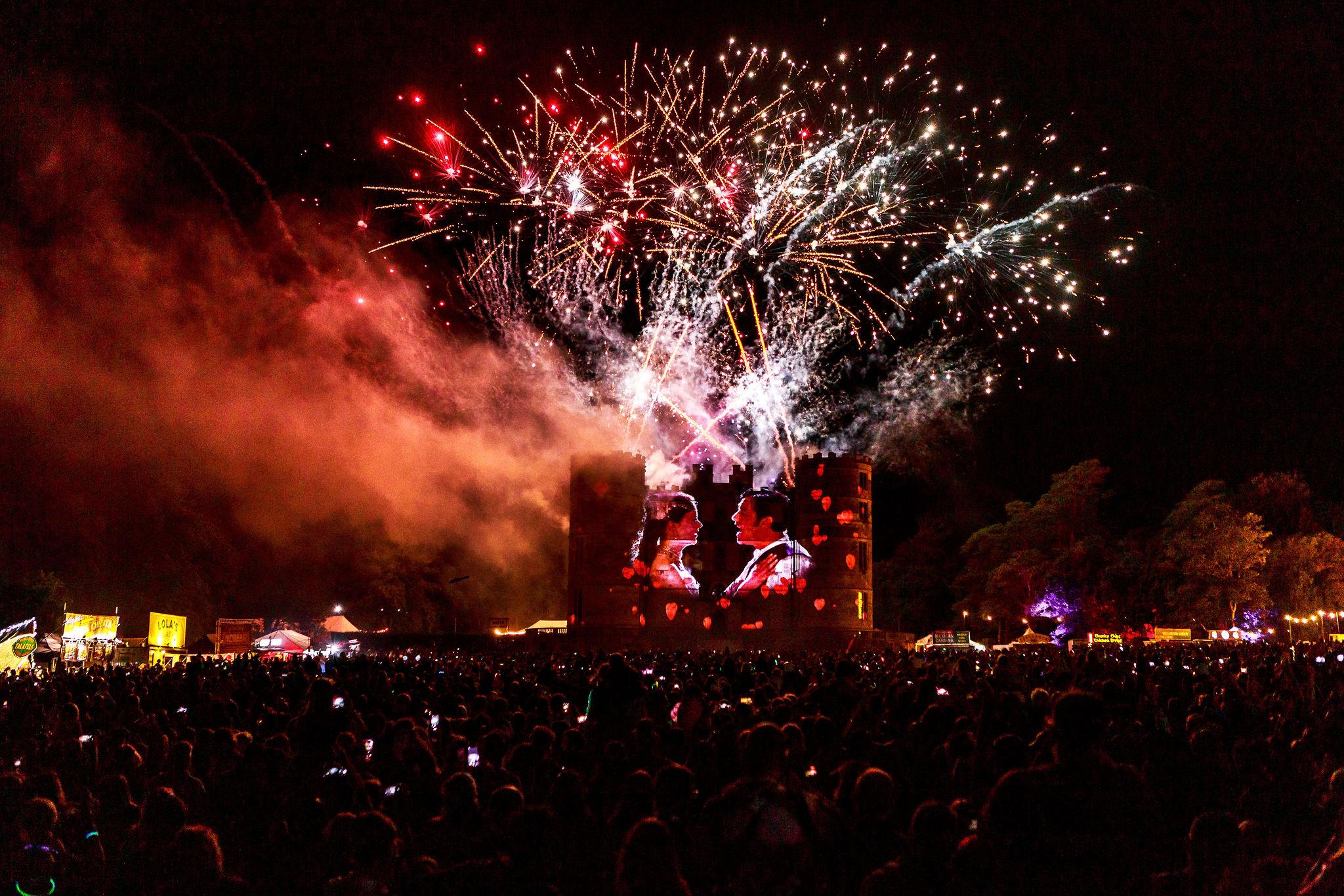 CB_Lb_Sunday_CastleStage_fireworks_134.JPG