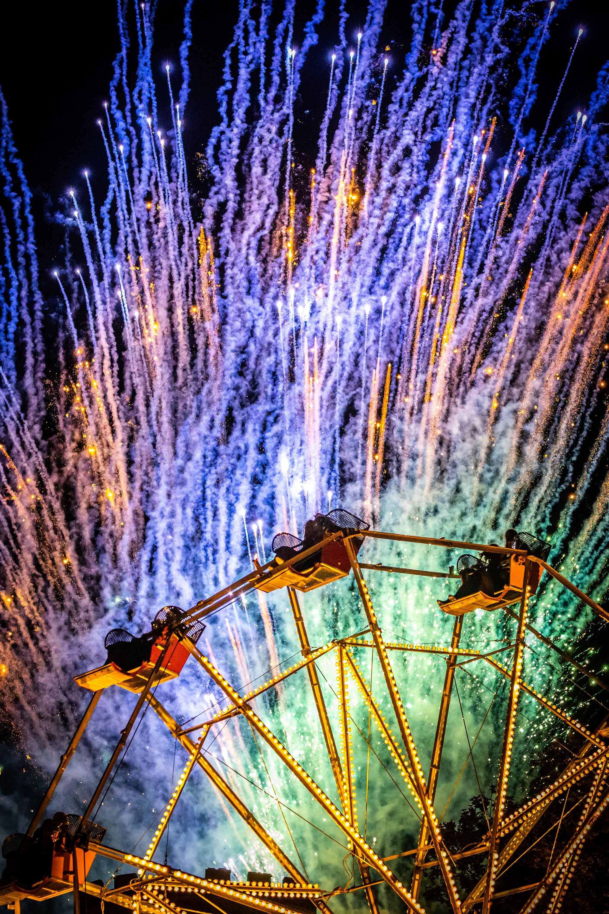 Sun_CastleStage_Fireworks_VF-5082.jpg