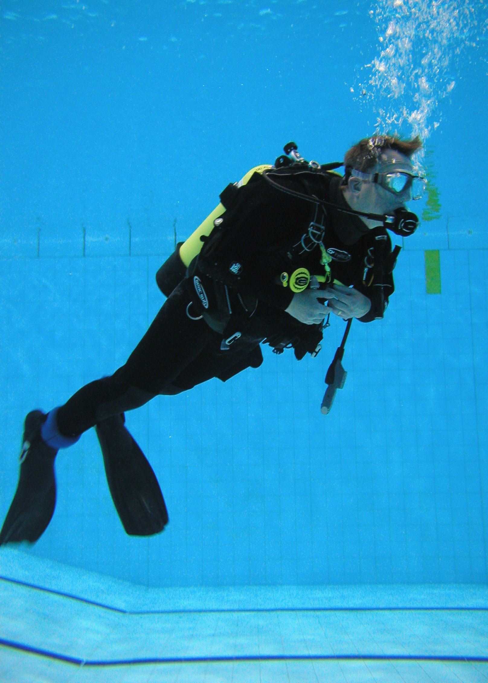Peter trying out his Dry-Suit in the pool