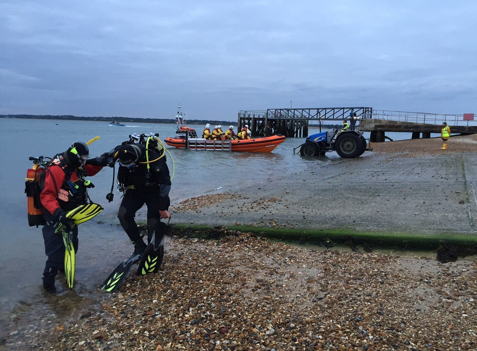 Diver Rescue training with Calshot RNLI image