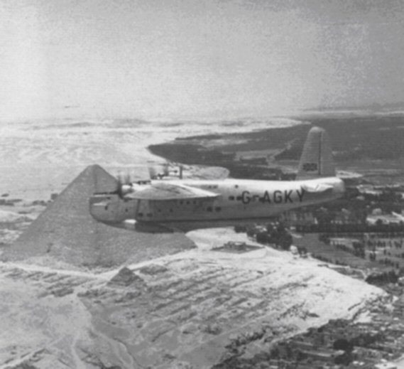 BOAC G-AGKY in Egypt, 1940